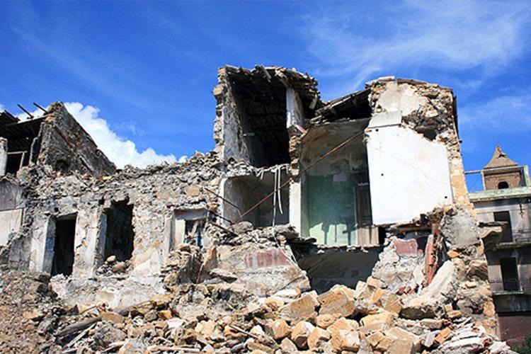 1487940861461717 terremoto danni