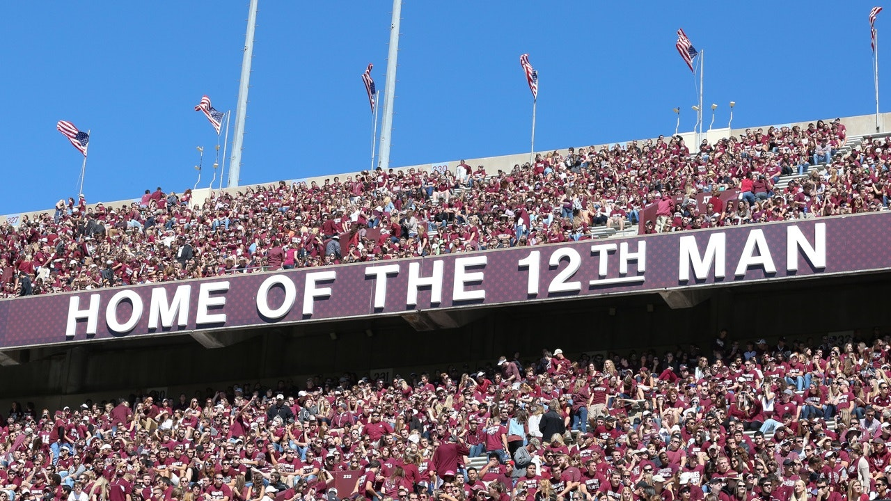 1522146115675570 12th man aggies
