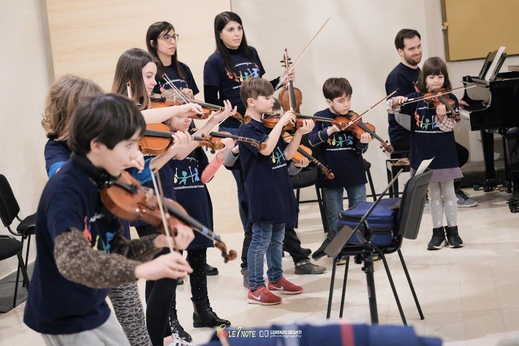1525689725388619 musicasempre violini