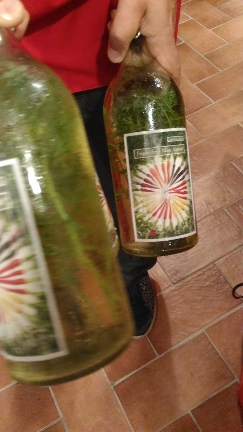 1542317878302469 bottiglia