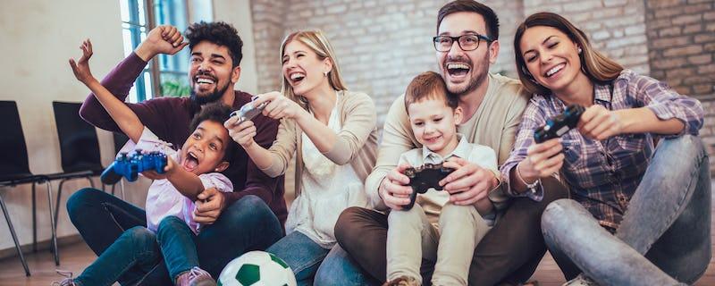 1570697623407742 genitori figli videogame